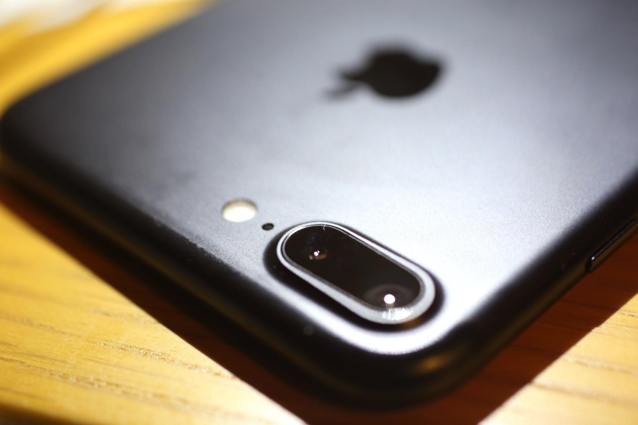 iPhone7 Plusには広角用と望遠用の2つのレンズがある
